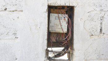 Los delincuentes prendieron fuego la caja del pilar eléctrico con el fin de dejar sin iluminación el predio Armando Ávila del Club USMA.