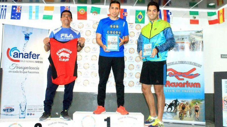 Gustavo Carrizo lideró el podio de los varones.