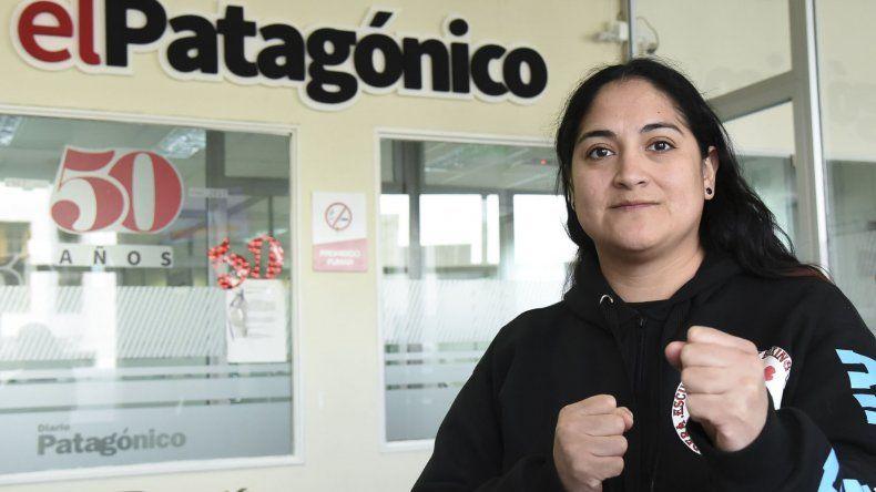 Graciela Becerra viajó a Buenos Aires y retornó con título bajo el brazo.
