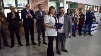 La Fundación del Banco Chubut realizó ayer un importante aporte a escuelas afectadas por el temporal.