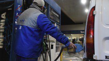 A partir del domingo las empresas podrán imponer sus propios precios a los combustibles.