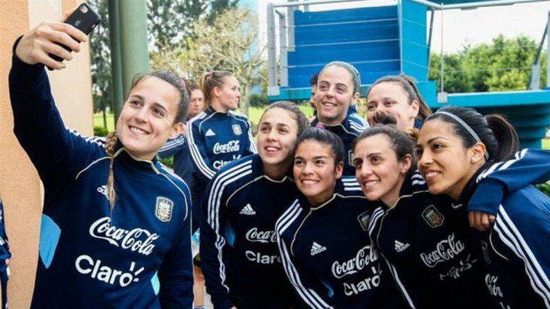 La selección femenina de fútbol sin viáticos