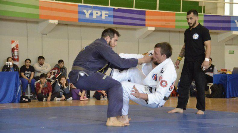 El jiu jitsu disputó el último fin de semana en el complejo Huergo la tercera fecha de la Liga Patagónica con una importante participación de luchadores.