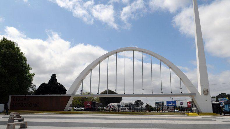 El autódromo Oscar y Juan Gálvez se viste de fiesta con los 200 KM de Buenos Aires.