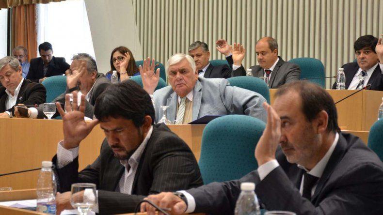 Ningún legislador se opuso a la aprobación del Memorándum de Entendimiento con YPF. El diputado por pueblo de Las Heras