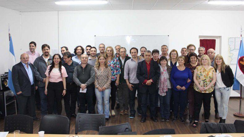 Concejales de las distintas localidades de la Cuenca del Río Senguer se reunieron ayer en Comodoro Rivadavia.