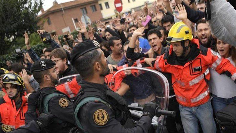 El Gobierno local denuncia 337 heridos en choques con la policía