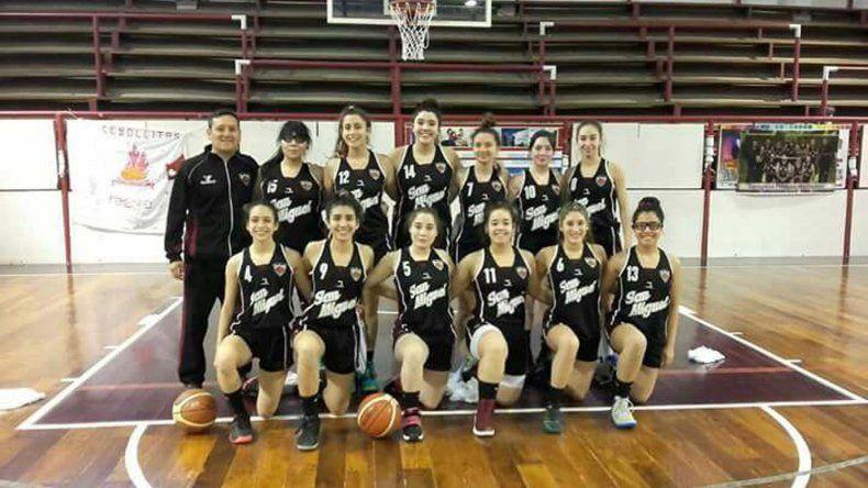 Las chicas de San Miguel de Río Gallegos que se fueron victoriosas de Comodoro Rivadavia al ganar el cuadrangular semifinal.