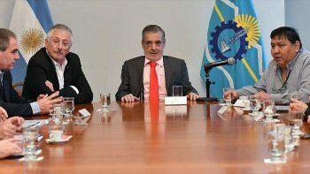 Das Neves evaluó con Petrominera e Hidrocarburos la situación petrolera