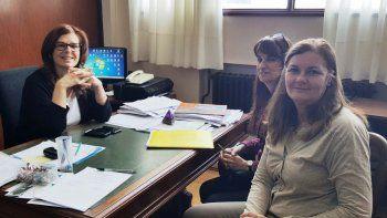 La profesora Liliana Balochi, la doctora Silvia Coicaud y la magíster María Elizabeth Flores brindaron detalles del perfeccionamiento de posgrado.