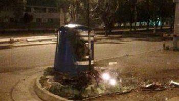 El domingo en el barrio Pueyrredón fueron incendiados dos iglúes.