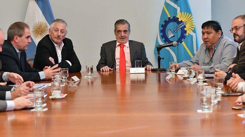 Mario Das Neves acusa a Mauricio Macri de avalar un presupuesto que solo favorece a dos o tres provincias.