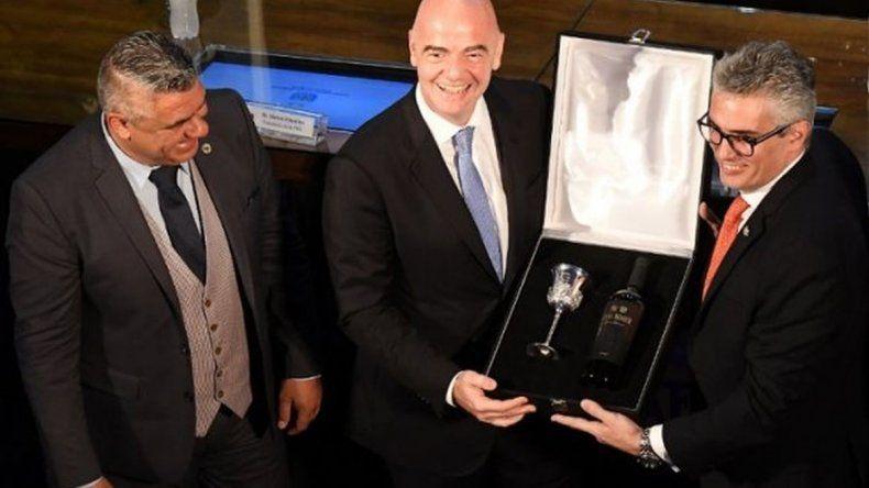 FIFA pide a la AFA trabajar en serio para tener un Mundial
