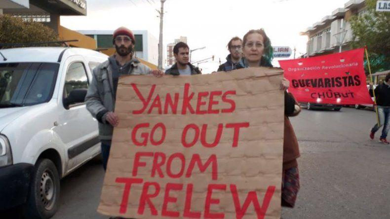 En Trelew más de 100 personas marcharon contra las prácticas  militares de tropas de EE.UU.