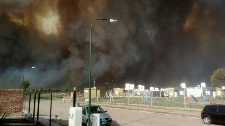 El zonda provocó incendios incontrolables en San Luis