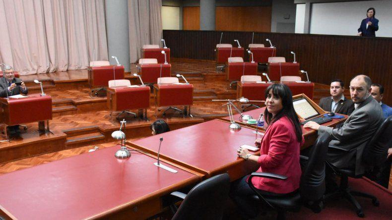 No hubo sesión legislativa por falta de quórum