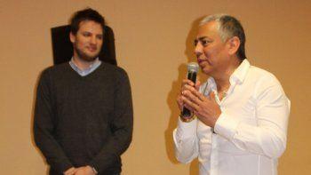 El comisionado de fomento Jorge Soloaga dijo que el parque eólico proyectado significa apostar a un futuro con desarrollo. A su lado, el secretario de Medio Ambiente de la provincia, Mariano Bertinat.