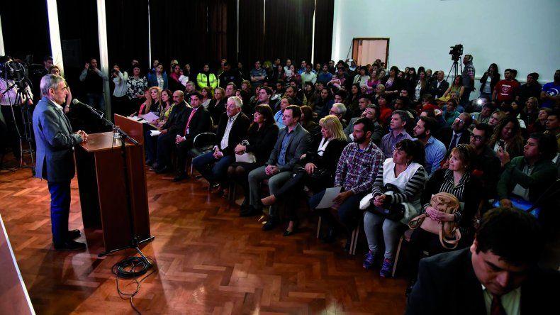 En el acto encabezado por Das Neves también se entregaron reconocimientos a quienes ya organizaron a la sociedad en torno a la problemática.