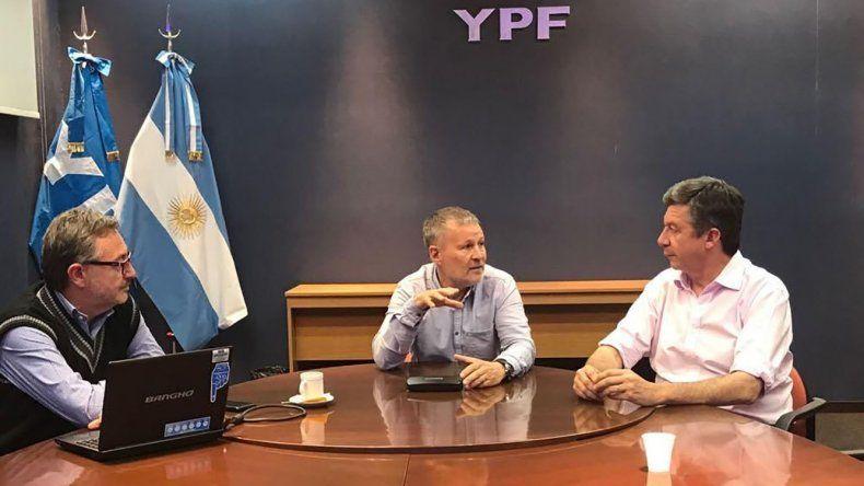 En YPF el candidato de Cambiemos analizó la situación de la Cuenca del Golfo San Jorge