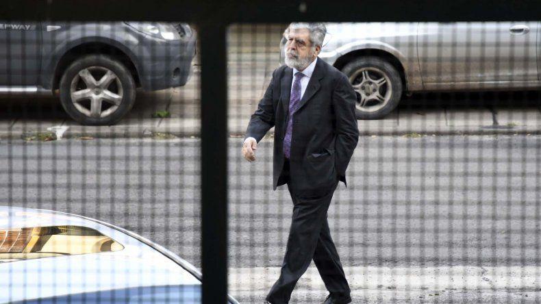 Julio De Vido al arribar el miércoles a los tribunales federales de Retiro