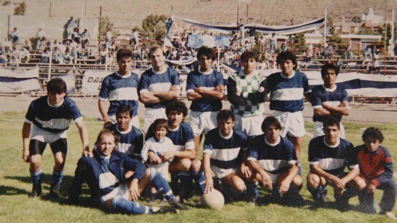 Con el plantel de Jorge Newbery en 1989.