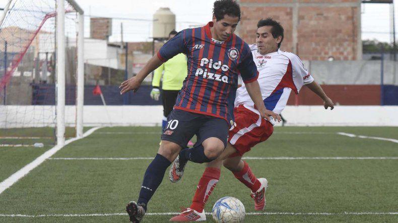 Jonathan Molina abrió el marcador y dio la asistencia en el segundo gol.