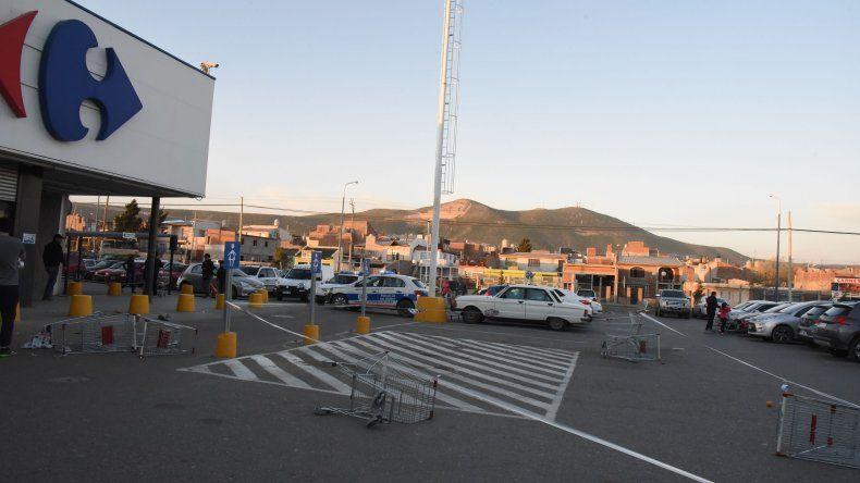 El ataque se produjo en el estacionamiento de un supermercado.