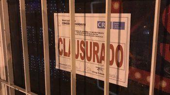 La Subsecretaría de Fiscalización clausuró un multirrubro del barrio Don Bosco por comercializar bebidas alcohólicas fuera del horario permitido.
