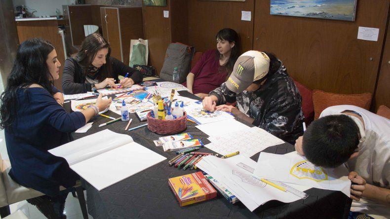 El plan El Arte es Terapia tiene  continuidad en la Casa del Chubut