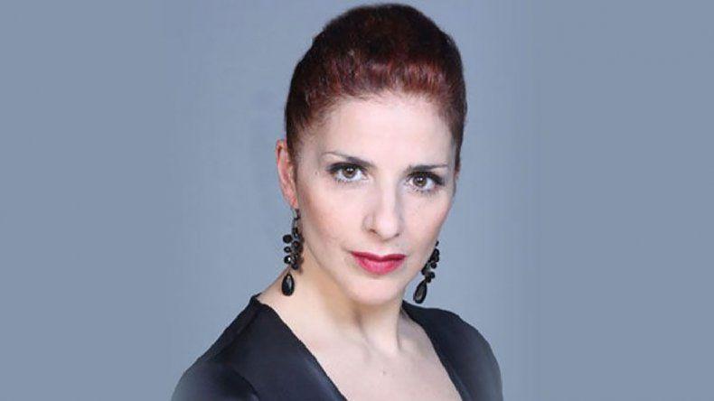 Karina K es conocida sobre todo por sus espectáculos musicales