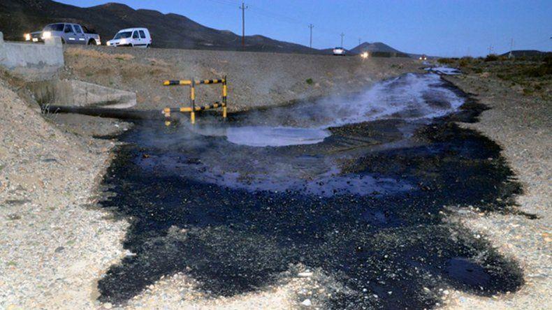 Analizan multas millonarias por derrames de petróleo en el ejido urbano