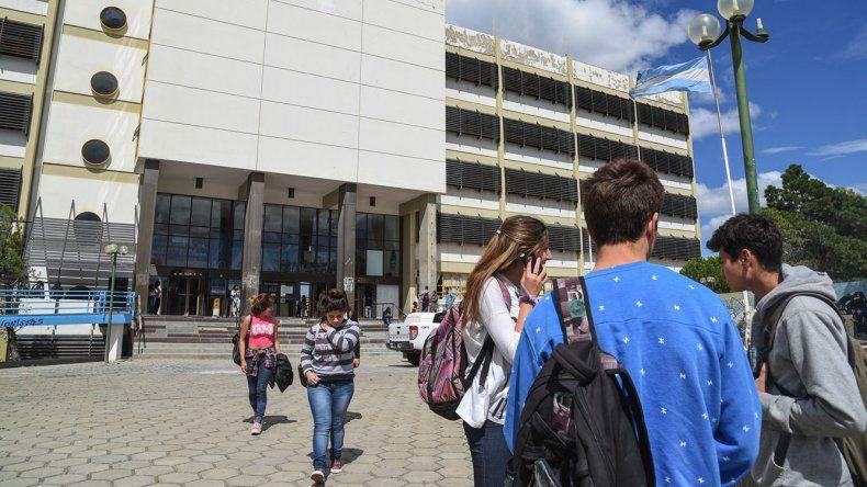 La Universidad Nacional de la Patagonia San Juan Bosco elegirá hoy un nuevo rector.