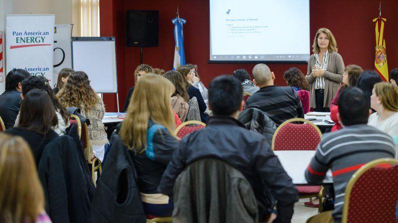 Más de 45 docentes de Chubut participaron de la 2ª edición del Postítulo de Actualización Académica Los desafíos de la Docencia que brindó Pan American Energy.