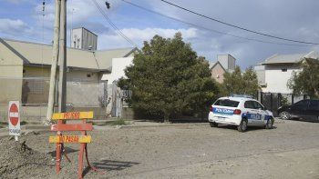 Víctor Núñez, imputado de intentar matar a su expareja, fue trasladado a la alcaidía policial. El hecho se produjo el domingo en este domicilio.