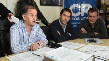 El intendente Linares junto al viceintendente Luque en la conferencia de prensa de ayer.