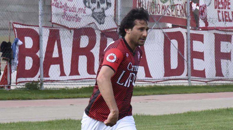 Gabriel Bustos retornará en Huracán tras purgar una fecha de suspensión por acumulación de amarillas.
