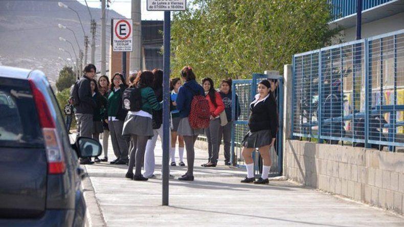 Denuncian que Supervisión no autorizó a dos estudiantes a presentar su proyecto en Madryn