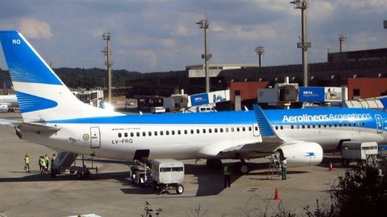 Vuelos cancelados en Ezeiza y Aeroparque por la paritaria trabada