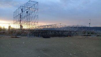 La estructura que se había montado para el festival en la cancha del club Huracán.