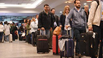 Demoras y cancelaciones en Aeroparque por una medida gremial
