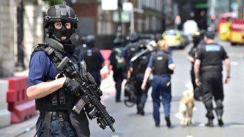 Una postal que se volvió cotidiana en Londres durante los últimos meses. La ciudad fuertemente custodiada por fuerzas de seguridad en busca de prevenir nuevos atentados.