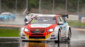 Esteban Guerrieri dominó ayer en la primera carrera de los Automóviles de Turismo (WTCC).
