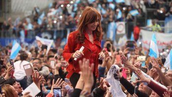 Cristina Fernández de Kirchner cerrará su campaña esta tarde en Avellaneda.