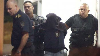 Sebastián Wagner es trasladado a prisión a la salida de una de las jornadas del juicio.