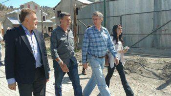 Acompañado por el secretario de Vivienda y Hábitat de la Nación y el intendente de Esquel, Gustavo Menna cerró la campaña en la Sociedad Rural de la ciudad cordillerana.