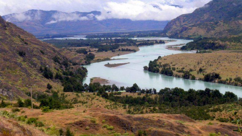 El río Chubut tenía 1,5 metros de profundidad cuando desapareció Santiago