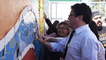 Los no videntes ahora pueden interpretar el paisaje patagónico a través de un mural adaptado.
