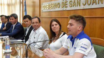 El acto de presentación de la décima fecha del Super TC2000 se realizó ayer en la Casa de Gobierno de San Juan.