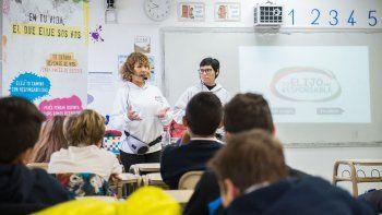 Más de 1.500 estudiantes de Comodoro Rivadavia y Rada Tilly fueron concientizados sobre el peligro de las adicciones.
