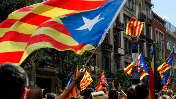 maxima tension: madrid amenaza con intervenir cataluna